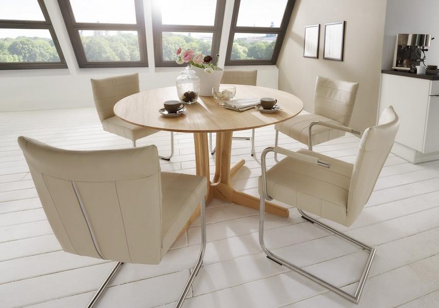 Tisch Dira