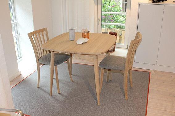 skandinavische wohnkultur s beyer gmbh esstisch klein. Black Bedroom Furniture Sets. Home Design Ideas